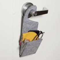 Dørhænger i filt med lomme